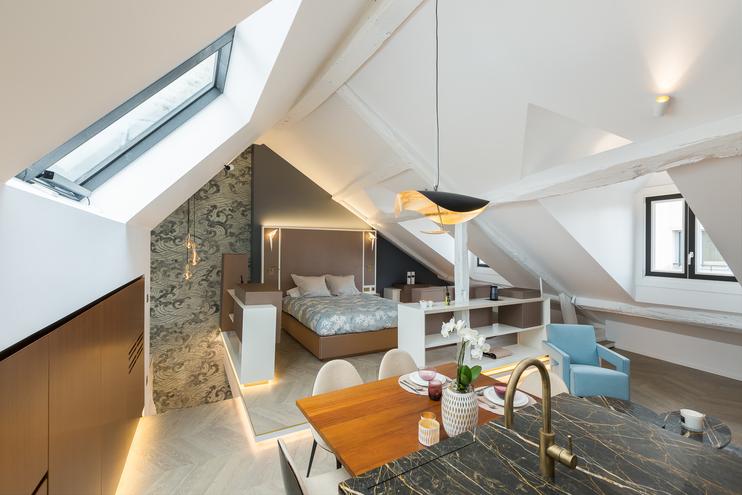 Elégance et luxe  pour un pied à terre rue de Grenelle-Paris 7